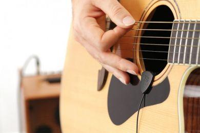 iRig Acoustic Stage -akustisen kitaran mkrofoni